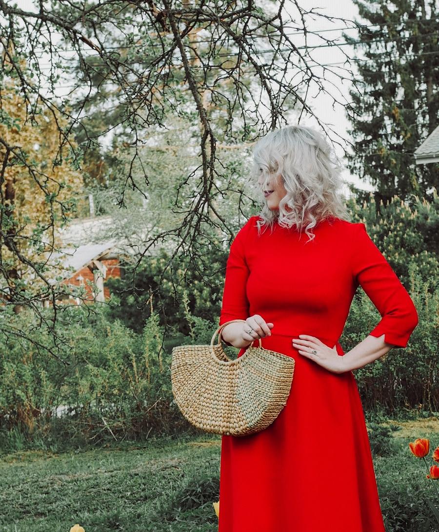 Punaisen värin voima ja Farrah Fawcettin hiukset